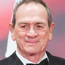 تامی لی جونز - Tommy Lee Jones