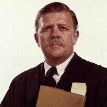 پت هینگل - Pat Hingle