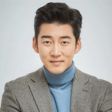 یون کای سنگ - Yoon Kyesang