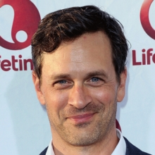 تام اورت اسکات - Tom Everett Scott