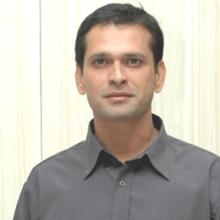 سمیر دهارمادیکاری - Sameer Dharmadhikari