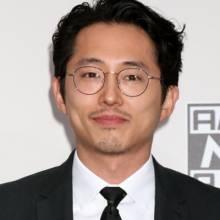استیون ین - Steven Yeun